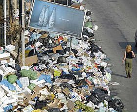 Rifiuti di Napoli, quell'emergenza creata 'ad arte'