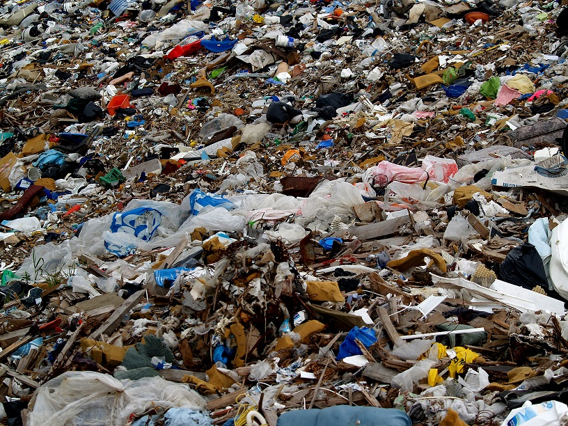 Roghi di rifiuti: la punta dell'iceberg di un problema che viene da molto lontano