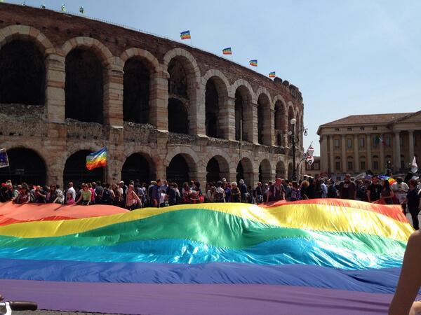 In migliaia a Verona per una Liberazione nonviolenta