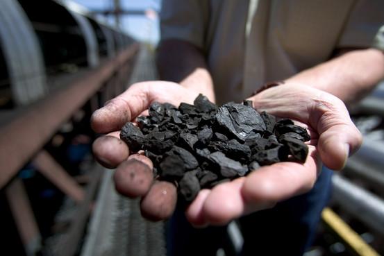 Per evitare i disastri climatici bisogna lasciare petrolio e gas sottoterra