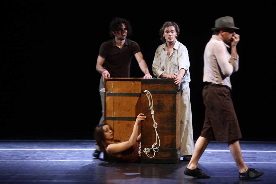 'Ai Migranti', ovvero l'equilibrio tra vita e danza