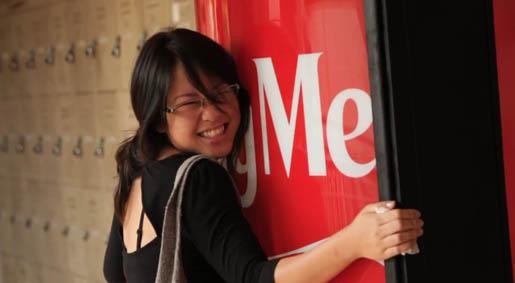 Coca Cola, distributori automatici di felicità?