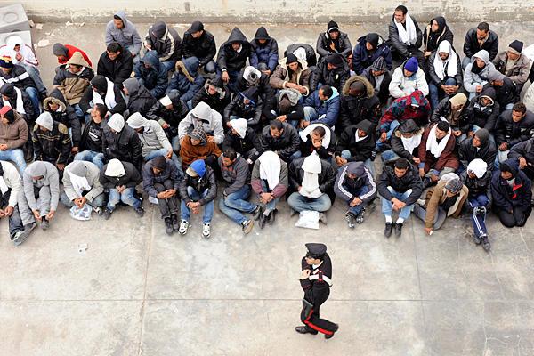 Immigrati:  la protezione italiana, tra prassi ed emergenza