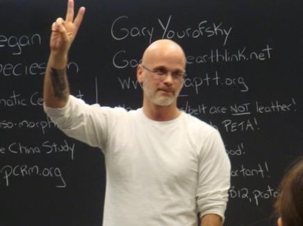La provocazione di Gary: «Non è possibile un attivismo vegan pacifista»/1