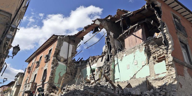 L'insopportabile ipocrisia del post terremoto