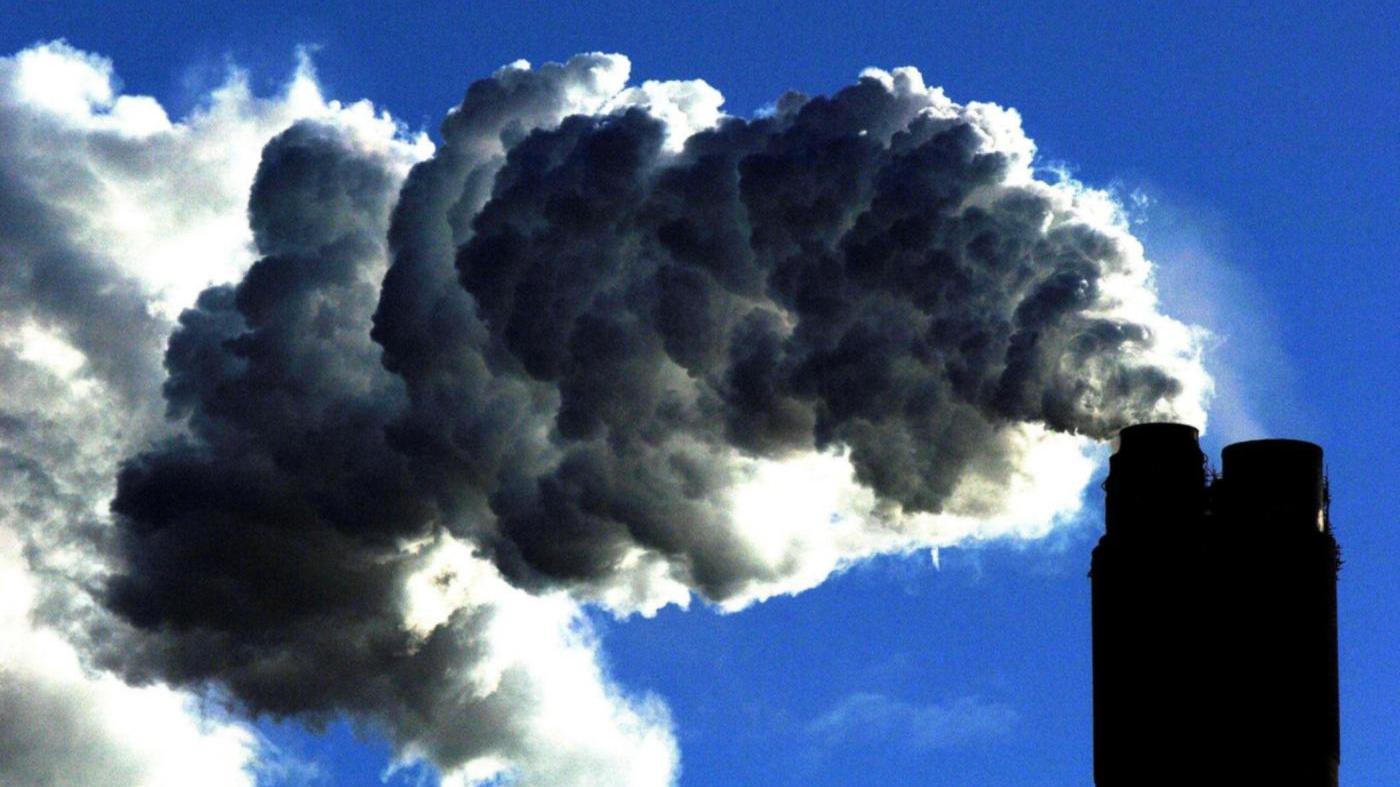 La Commissione UE salva il carbone e affonda le rinnovabili