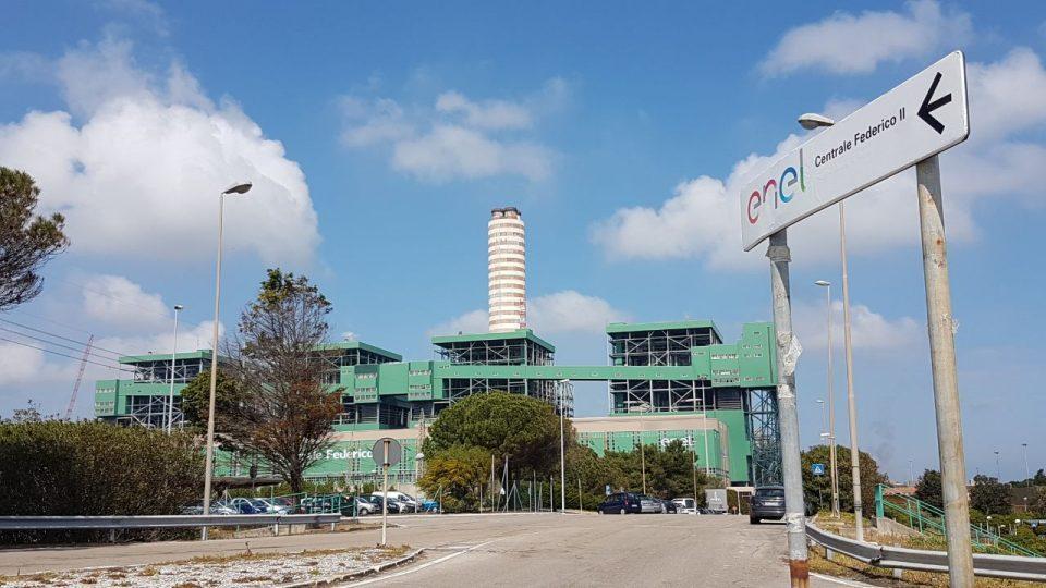 Centrale Enel a Brindisi: ricorso al Tar contro il rinnovo dell'autorizzazione
